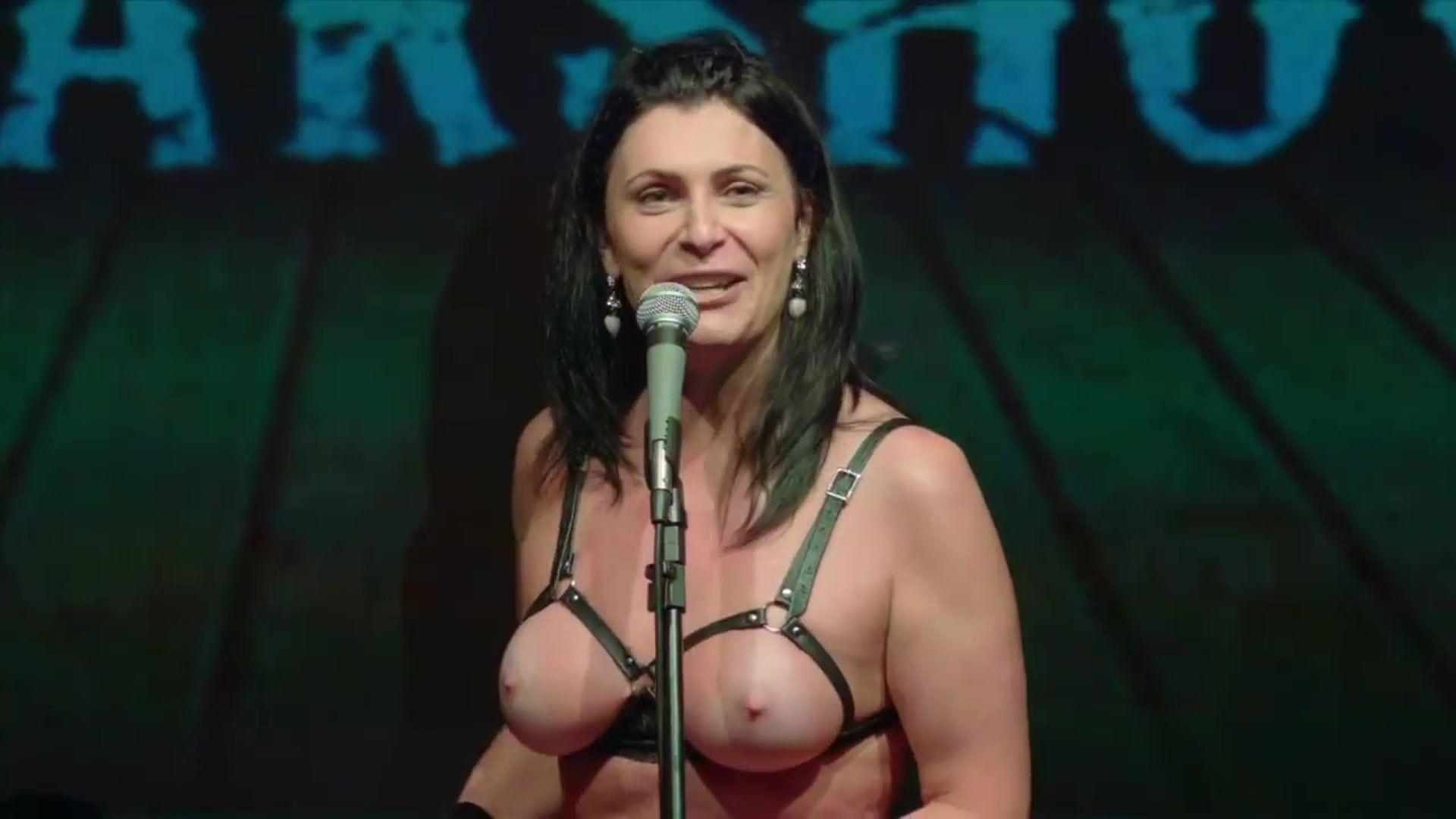 Esmeralda Mitre  nackt